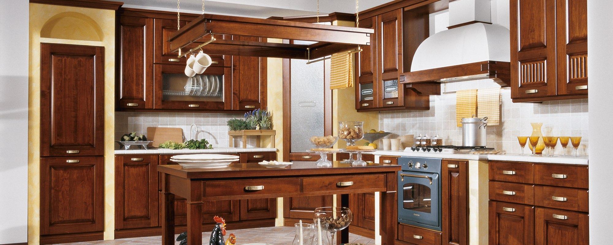 Stosa cucine classiche malaga cagliari 49 cucine for Arredamenti cagliari